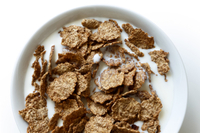 Higher-calorie breakfast cereal with protein milk